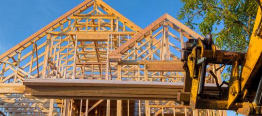 Rénover une maison à charpente en bois
